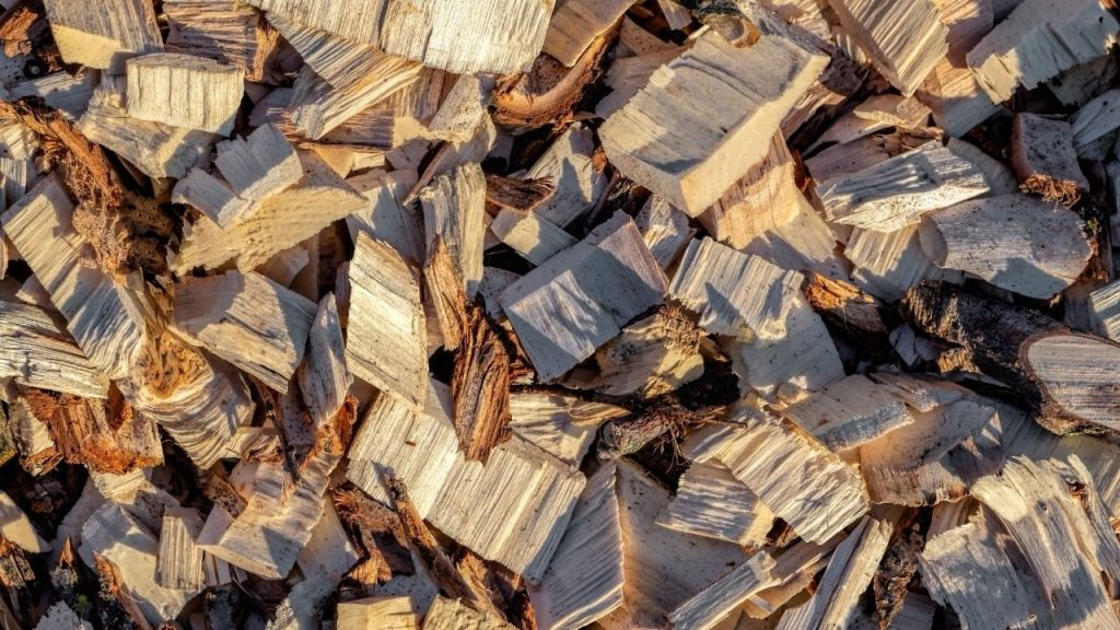 how to make wood chips for smoking
